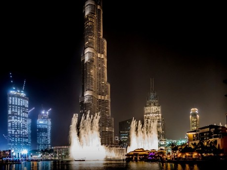 Burj Khalifa & Fountain bei Nacht