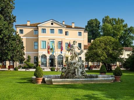 Italien - Villa Tacchi - Außenansicht