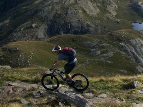 schweiz_mountainbiker