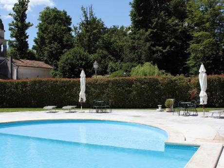 Italien - Villa Tacchi - Poolbereich