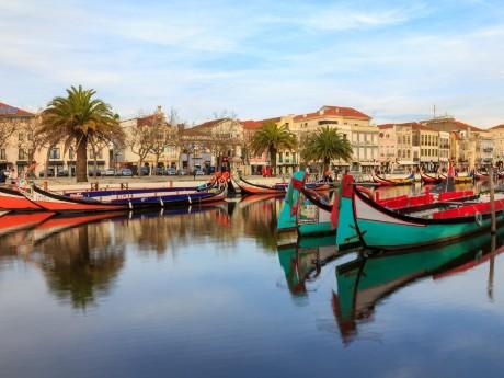 Bunte Boote in Aviero, Portugal