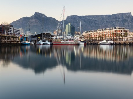 Waterfront mit Tafelberg, Kapstadt