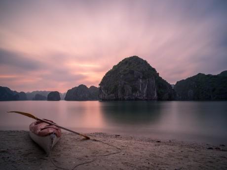 Kajaken in der Halong Bucht