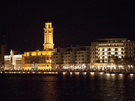 Bari-by night