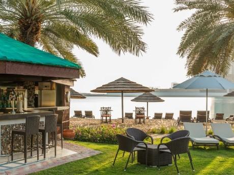 Le Méridien Abu Dhabi, Beach Bar