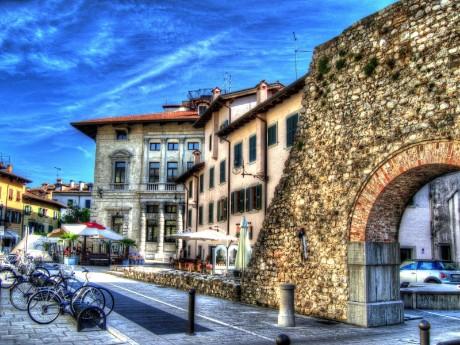 Fahrräder in Altstadt, Udine