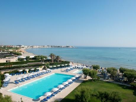 Italien-Hotel Del Levante-Pool-Strand