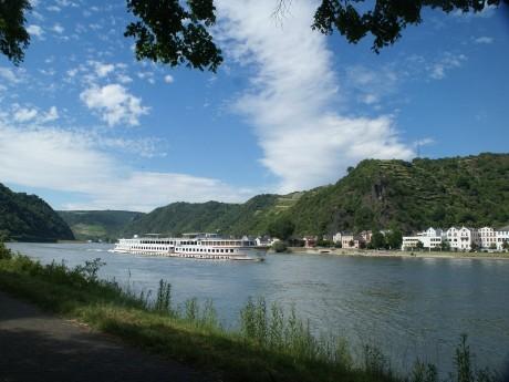 rhein-schiff-loreley