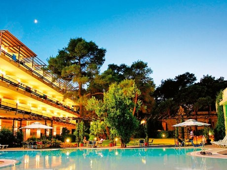 Nicotel Pineto - Pool