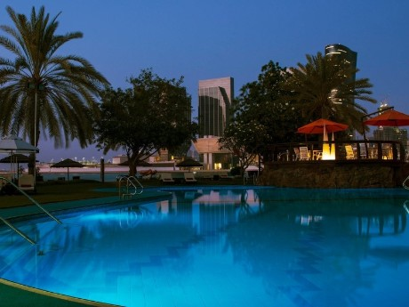 Le Méridien Abu Dhabi, Pool