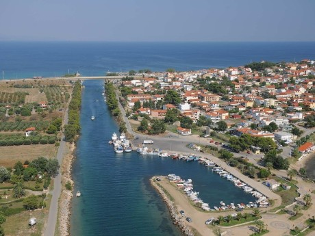 griechenland-chalkidiki-potidea-kanal