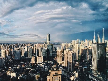 Dramatischer Himmer über Shanghai