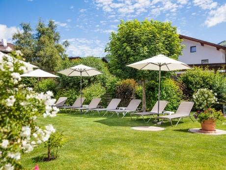 Garten im Hotel Bergland