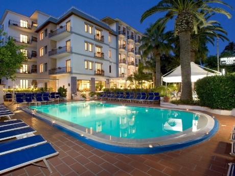 Hotel Caravel - Poolbereich